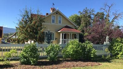 Photo for Country Heritage Home Near Silver Star and Sovereign Lake