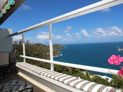 Photo for Luxury Dual Master Suites, Breathtaking Views of the Islands, Relaxation Awaits!