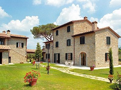 Photo for 2 bedroom Villa, sleeps 6 in Camucia-Monsigliolo with Pool and WiFi