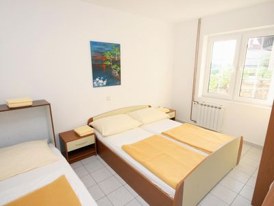 Photo for Three bedroom apartment with terrace and sea view Jakišnica (Pag)