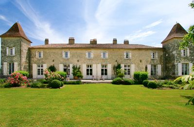 Photo for 5 bedroom Chateau, sleeps 11 with Pool and FREE WiFi