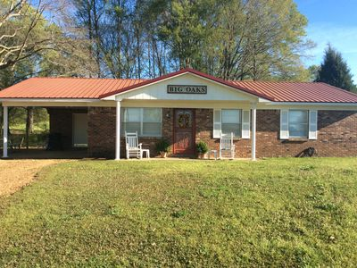 Big Oaks..a charming country home convenient to Oxford and Batesville