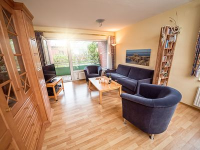 Photo for Cosy apartment near the sea, quiet and centrally