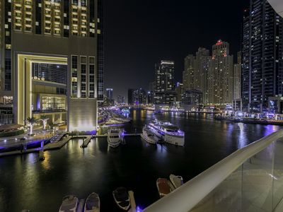 Photo for Bespoke Luxury Right At Marina Creek With Breathtaking Views