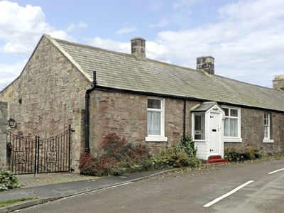 Photo for LYNDHURST COTTAGE, family friendly in Beadnell, Ref 1372