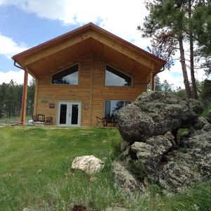 LOG HOME on Mickelson Trail! Book Now for 2021