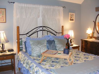 Photo for B&B with lake views in the Village! Cottage Blue Room/Lake Valley Legends, B&B
