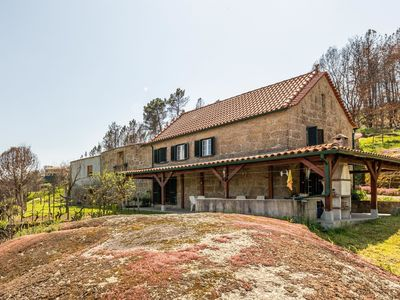 Photo for Authentic holiday (quinta) with stunning views over the valley
