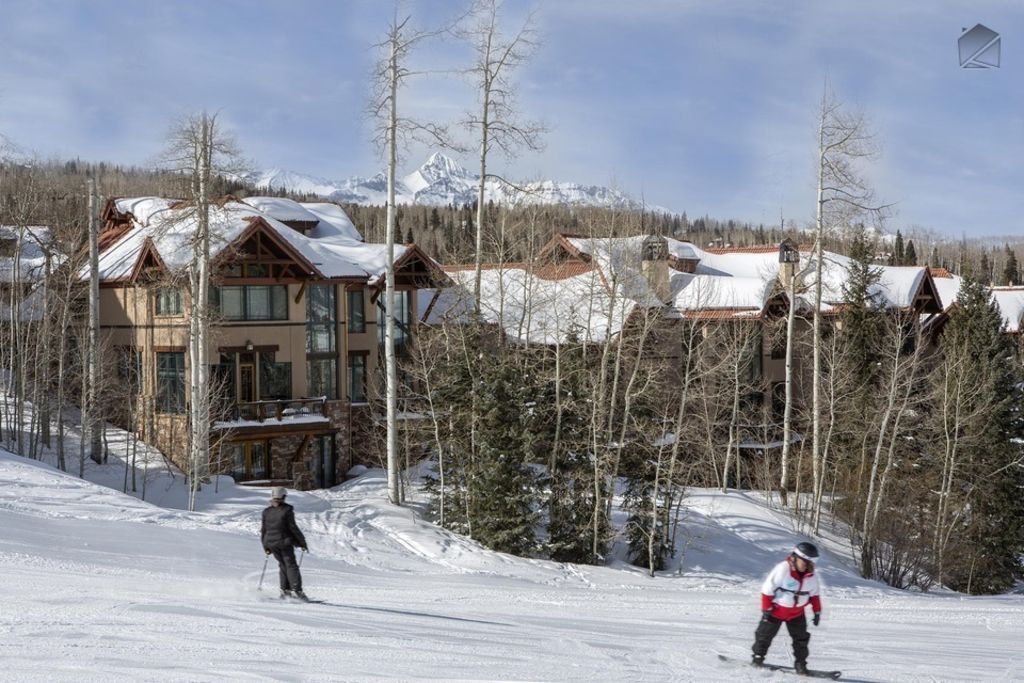 The grass is greener on this side - Ski in/out Mountain Village core Golf course close nearby Trailside at Pine Meadows & The grass is greener on this side - Ski... - HomeAway Mountain Village pezcame.com