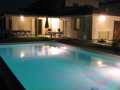 Photo for Apartment in modern villa with swimming pool for exclusive use near Lucca