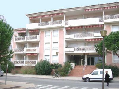 Photo for rental apartment in a quiet area of Le Lavandou, 2 comfort rooms for 4 people