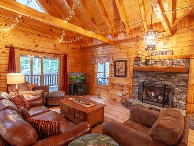 Photo for 3BR/3BA Elegant Mountain Cabin with 2 Additional Sleeping Spaces, Hot Tub, Pool Table, Fire Pit, Hiking Distance to River