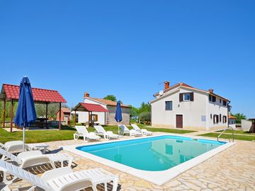 Search 4,846 holiday rentals