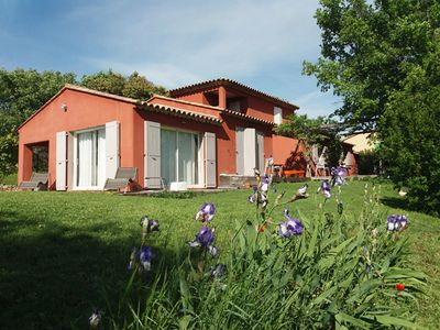 Photo for Villa with pool in the countryside of Aix en Provence