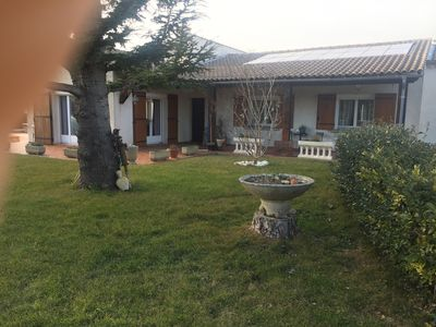 Photo for Provençal villa full feet 10 minutes from Avignon