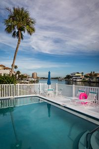 2BA/2BR with million dollar view at desirable Clearwater Beach FL