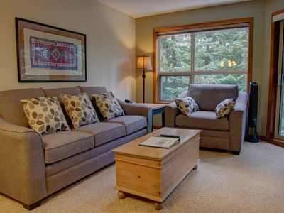 Photo for Prime Ski-in Ski-out Location! Pool, Hot tubs, BBQ, sleeps 4 (328)