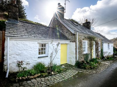 Photo for This charming cottage offers a modern kitchen and bathroom together with a characterful and cosy liv