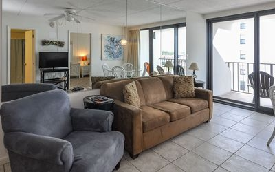 Photo for Two Bedroom BEACH VIEW 4th Floor Condo @ Island Winds