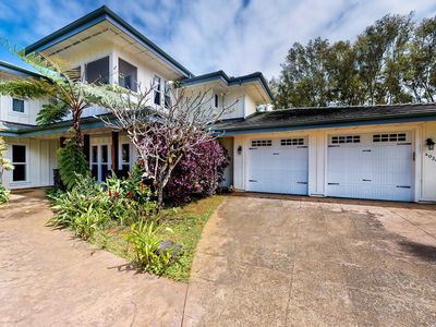 Photo for NEW LISTING! Beautiful family home w/great room & lanai - walk to Anini Beach!