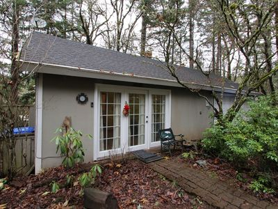 Photo for NEW LISTING! Secluded cottage w/ free WiFi & cable - close to parks and downtown