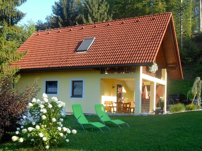 Photo for Holiday house Das Steirerhaus am Seggauberg