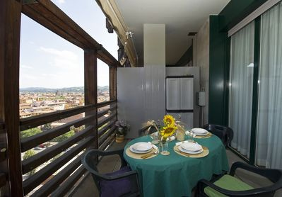 BOLOGNA SKYLINE welcomes you with its beautiful terrace and breathtaking view.
