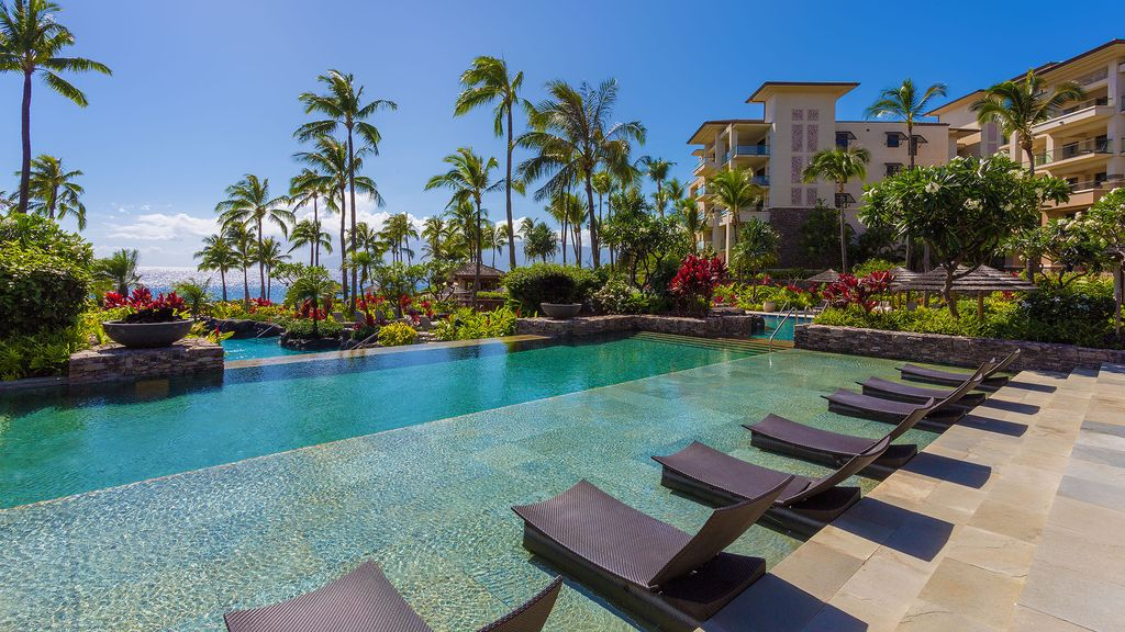 Luxury Maui home within Montage Kapalua Bay steps from cascading pools
