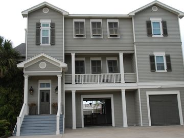 Beautiful Home on Galveston Bay in Pirate's Cove