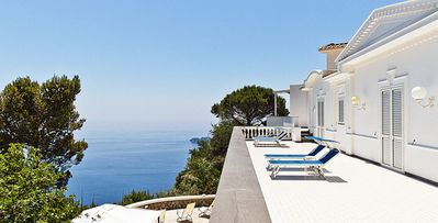 Photo for 4bd villa, grande style elegantly perched on the Sorrento Coast, pool