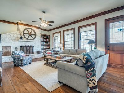 Photo for Gorgeous Boerne Home in Hill Country Close to Town