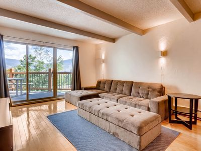 Photo for Comfortable 2BR, Located just steps from free bus service to major ski resort