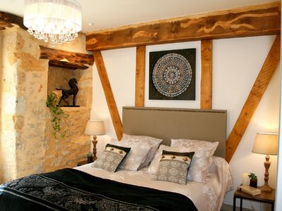 Photo for Charming cocoon, ensuite bedroom with tv, wi-fi, linen, mahine Coffee / fridge