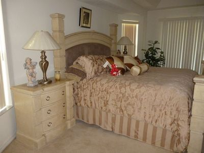 Photo for Luxurious 4 bedrooms and 3 bathrooms spacious private house