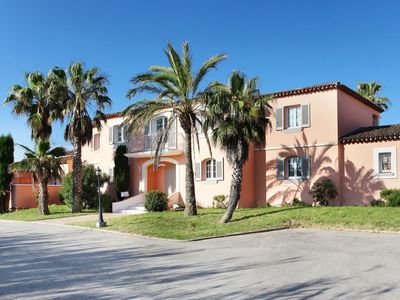 Photo for Attractive and beautiful holiday park at the Bay of Saint-Tropez