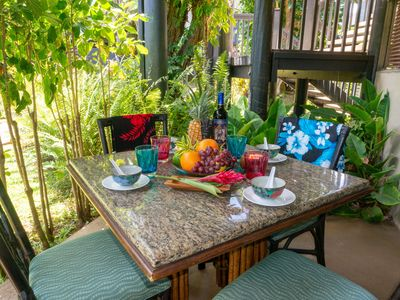 Photo for 8 min walk to Anini Beach, big pool, BBQ, quiet complex, large updated condo