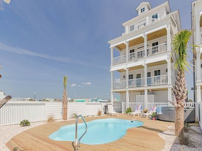 Photo for Relax in the lap of luxury! Direct oceanfront, private pool, beach charm!