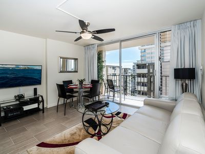 Photo for Renovated 2 BDR condo in heart of Waikiki, amenities, and FREE Parking!