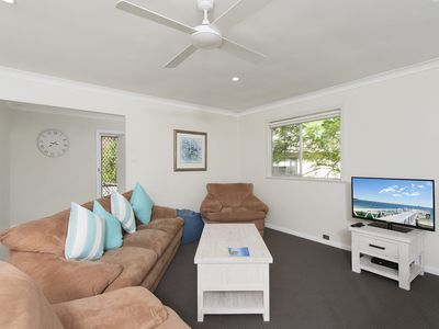 Photo for Box Beach Retreat, 29 Essendene Road,