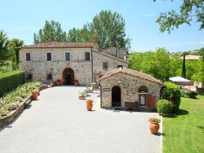 Photo for 1BR Apartment Vacation Rental in Rapolano Terme, Toscana