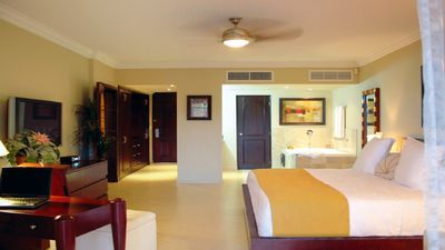 Photo for Lifestyle Resort Chairman's Circle - Studio Presidential Suite VIP Gold Bands