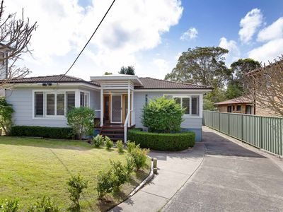 Photo for 'Rubys Retreat', 44 Achilles Street - pet friendly, aircon & boat parking