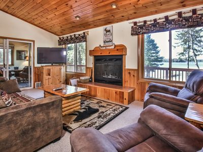 Photo for Lost Getaway Lake House - Four night fall special for $995 + Taxes/Fees