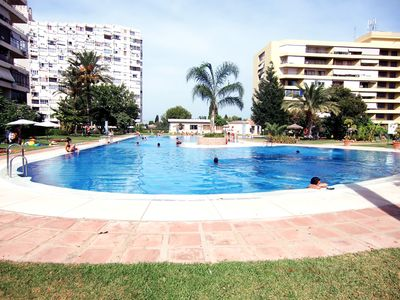 ADULT SWIMMING POOL WITH LIFE GUARD