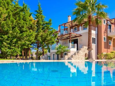 Photo for 3 bedroom Villa, sleeps 7 in Kypárissos with Pool, Air Con and WiFi
