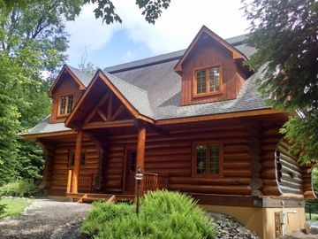 Moon Over Moose Luxury Vacation Waterfront Log Home -  5 bed   Max. Occupancy 10