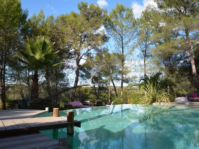 Photo for SUNNY ZEN VILLA WITH INFINITY POOL, HAMMAM AND VIEWS IN MONTPELLIER