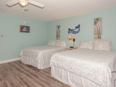 Photo for PET FRIENDLY studio with 2 queen beds walk to POOL, HOT TUB, FISHING PIER