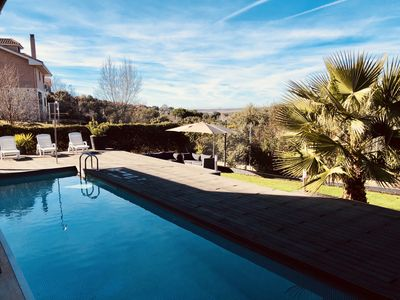 Photo for New Rural Chalet, perfect for groups of friends and family 45 minutes from Madrid