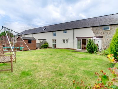 Photo for Rafters - Three Bedroom House, Sleeps 6